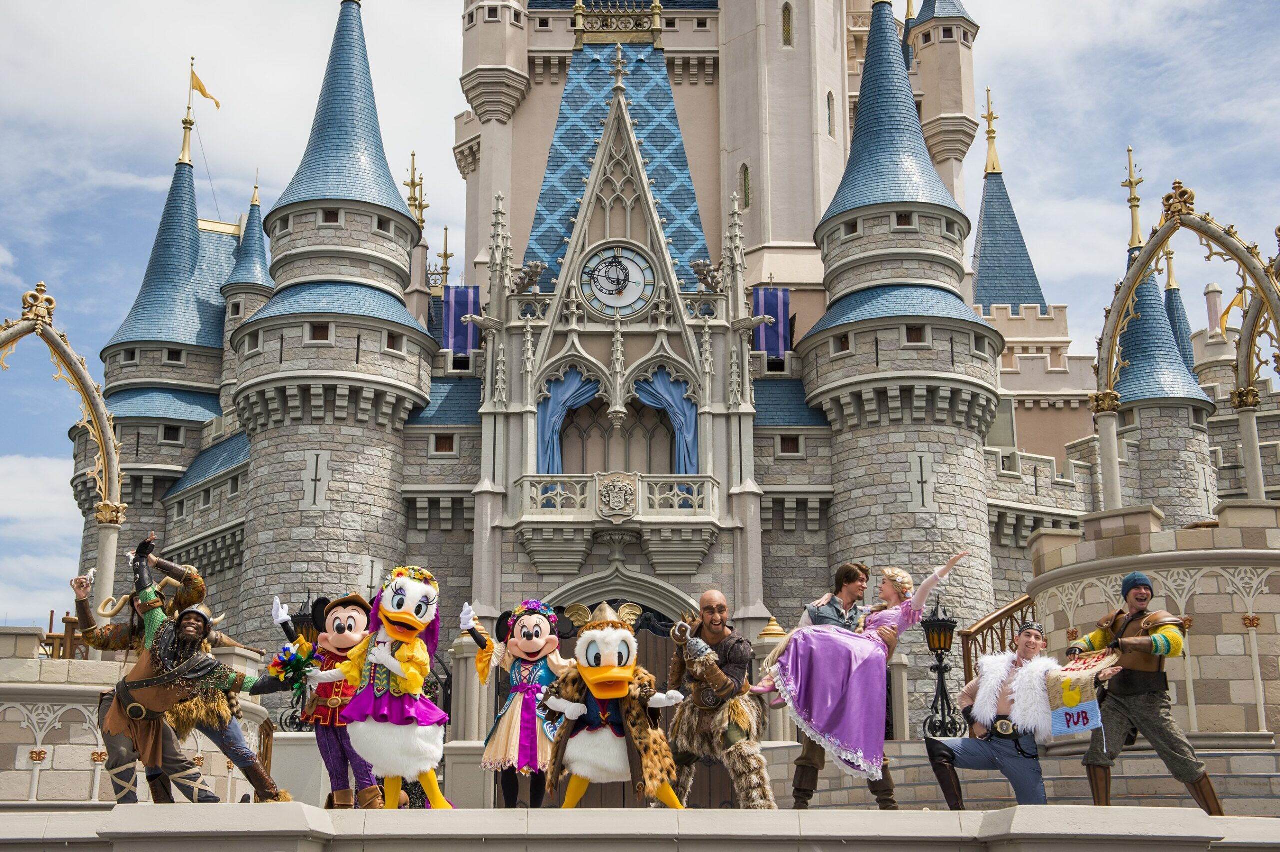 BEST List Of EVERYTHING To Buy BEFORE Going to Walt Disney World Parks!