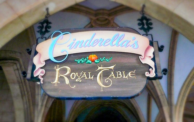 EVERYTHING You Need to Know About WDW Advanced Dining Reservations!