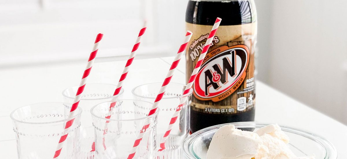Homemade Ice Cream Root Beer Floats + FREE Summer Activity Planner!!