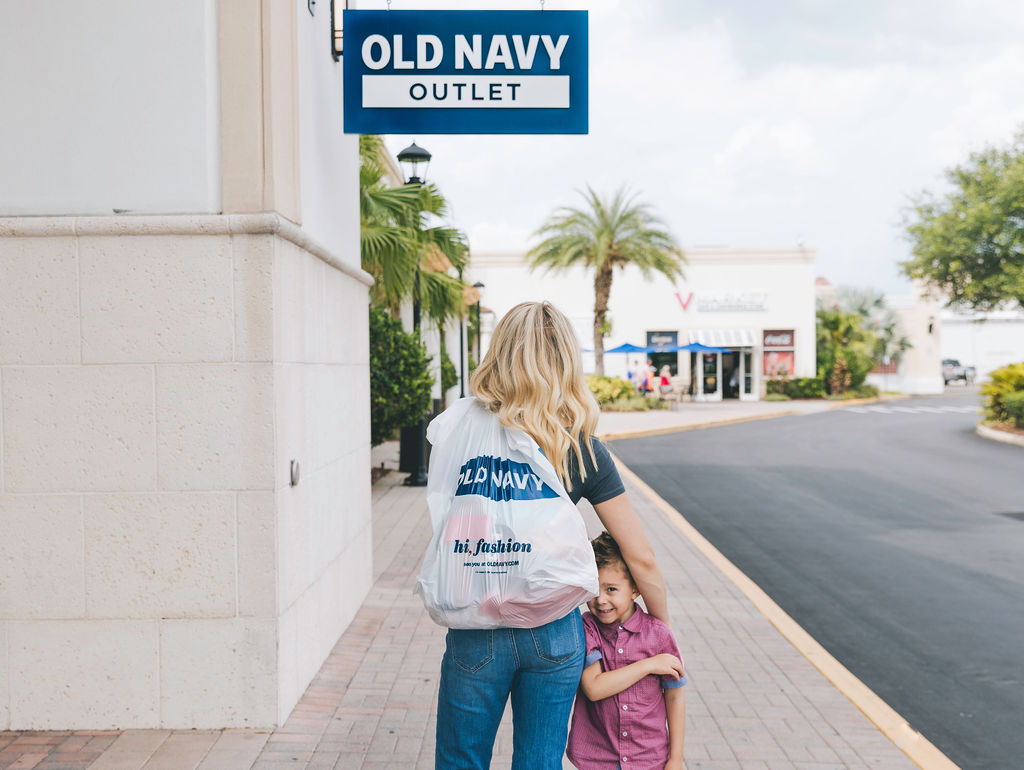 Everything You Need to Know When Shopping Tax-Free at the Orlando Outlets!! (+ FREE PLAN OF ACTION TO SAVE TIME!!!)