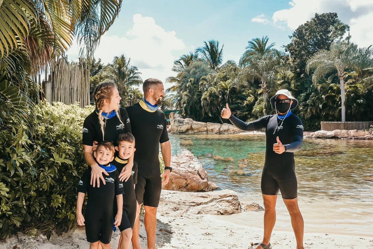 EVERYTHING To Know When Visiting Discovery Cove, Orlando for the First Time!!