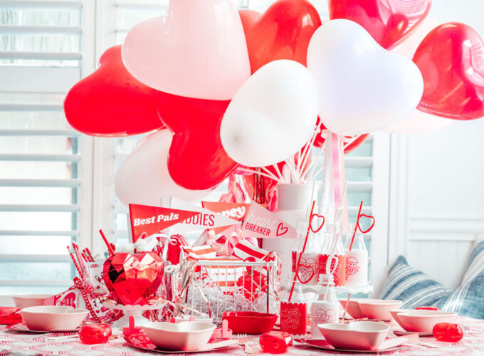 Throw the BEST Valentine's Day Party | FREE Printable Party Pack!